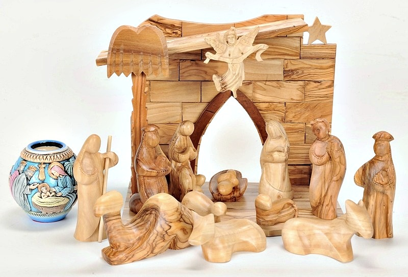 read about the origin of nativity sets - Wooden Nativity Set